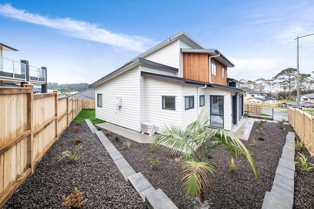4 Paitry Place, Swanson, Auckland - NZL (photo 2)