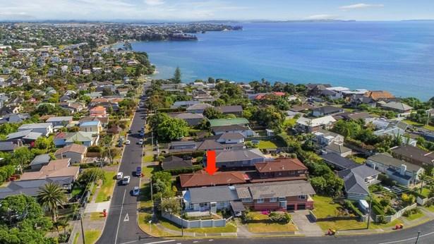 1/5 Rothesay Bay Road, Rothesay Bay, Auckland - NZL (photo 2)
