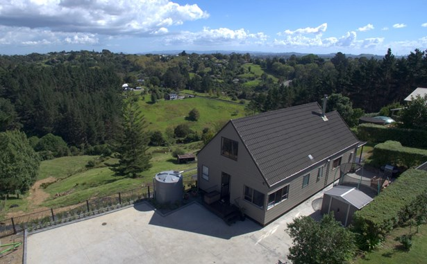 82 Whites Road, Whitford, Auckland - NZL (photo 2)