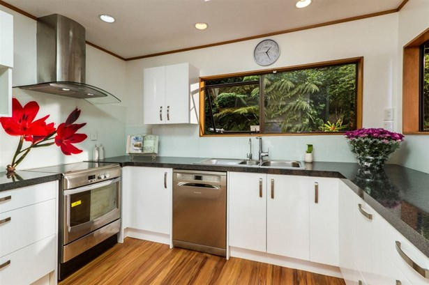 14 Jeanette Place, Mairangi Bay, Auckland - NZL (photo 4)