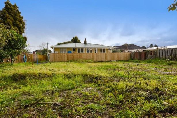 37a Cobham Crescent, Kelston, Auckland - NZL (photo 2)