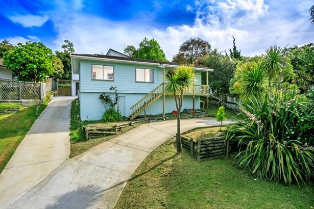 13 Tesla Place, Totara Vale, Auckland - NZL (photo 2)