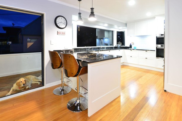 56 Swann Beach Road, Stanmore Bay, Auckland - NZL (photo 2)
