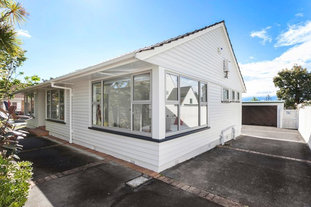 92 St Johns Road, Meadowbank, Auckland - NZL (photo 1)