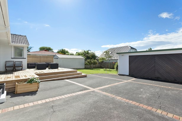 92 St Johns Road, Meadowbank, Auckland - NZL (photo 2)