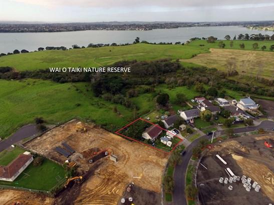 10 Kestrel Place, Glen Innes, Auckland - NZL (photo 2)
