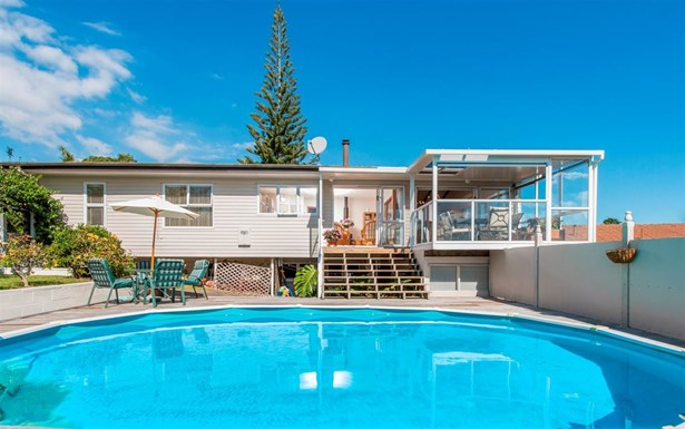 18 Noel Place, Mt Roskill, Auckland - NZL (photo 2)