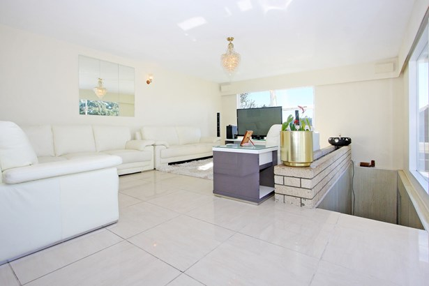409 Massey Road, Mangere East, Auckland - NZL (photo 3)