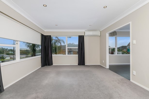 26 Oakdale Road, Mt Roskill, Auckland - NZL (photo 2)