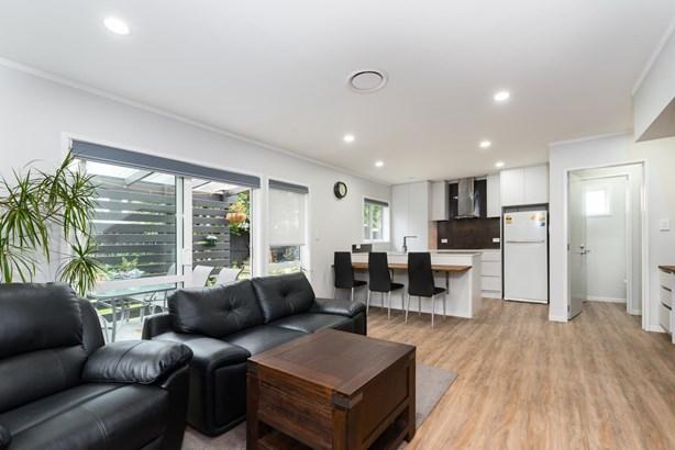 1113a New North Road, Mt Albert, Auckland - NZL (photo 3)