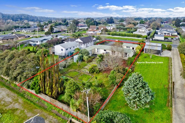 10 Cambridge Road, Riverhead, Auckland - NZL (photo 1)