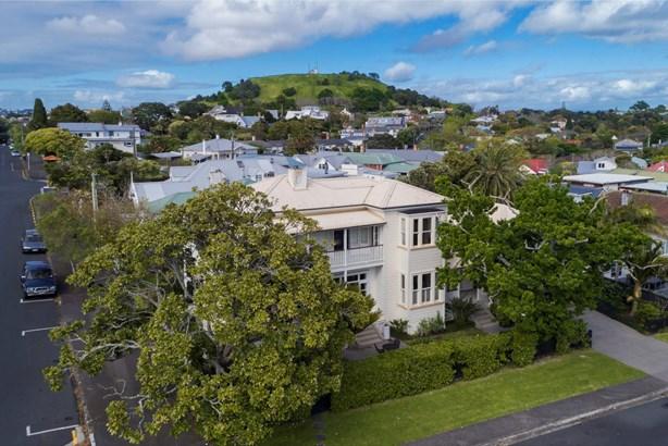 75 Vauxhall Road, Devonport, Auckland - NZL (photo 2)