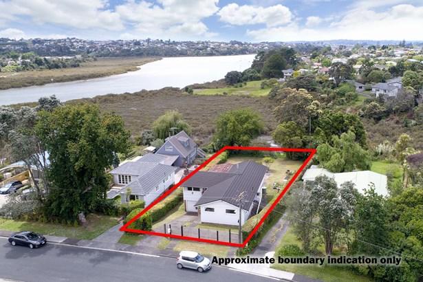 52 Renata Crescent, Te Atatu Peninsula, Auckland - NZL (photo 4)