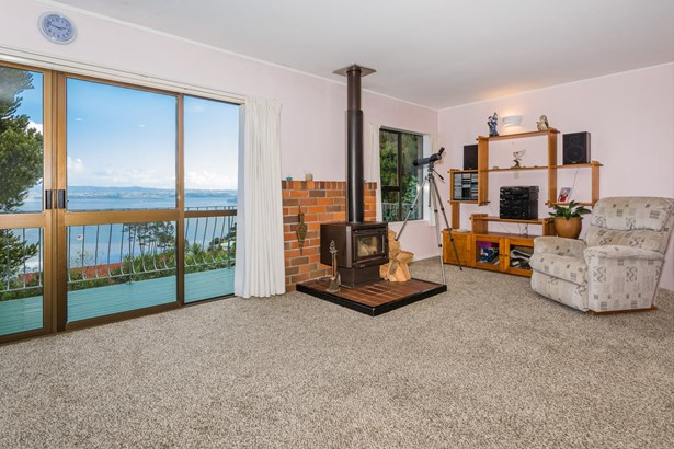 57 Rosecamp Road, Beach Haven, Auckland - NZL (photo 4)