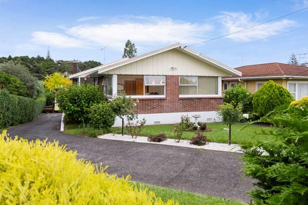 14 Huruhuru Road, Massey, Auckland - NZL (photo 2)