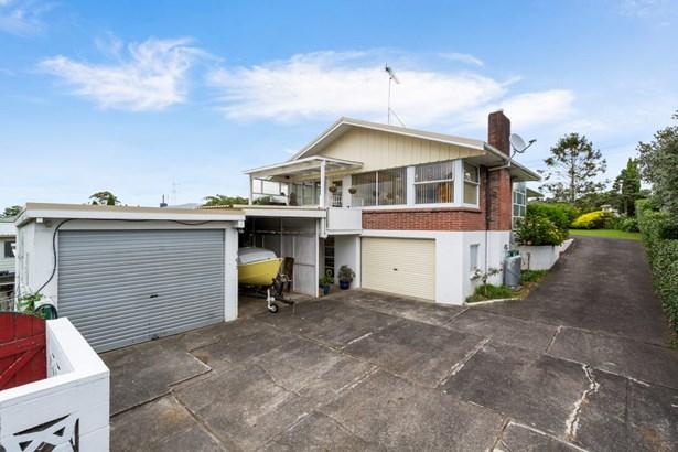 14 Huruhuru Road, Massey, Auckland - NZL (photo 3)
