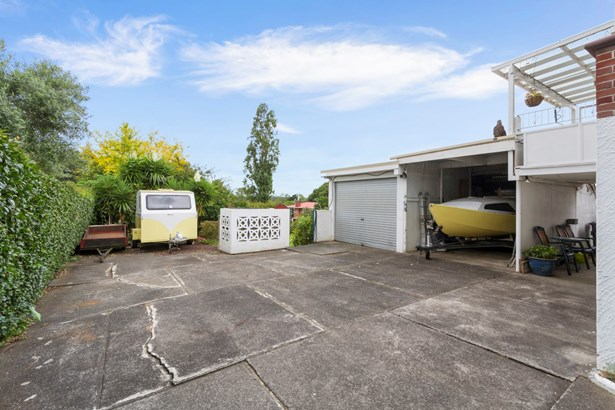 14 Huruhuru Road, Massey, Auckland - NZL (photo 5)