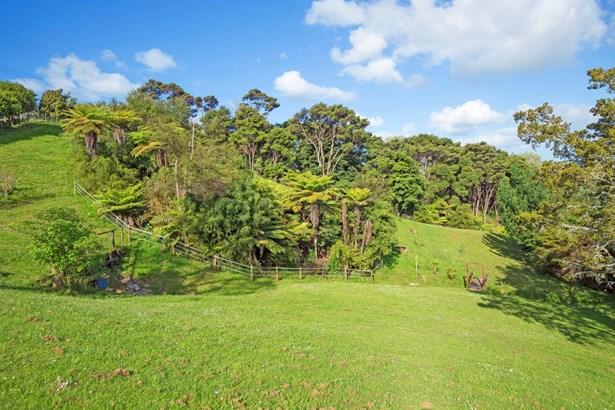 9b Whangaparaoa Road, Red Beach, Auckland - NZL (photo 3)