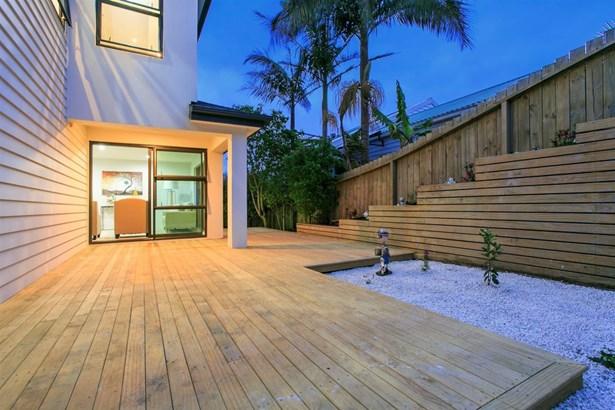 158b East Coast Road, Castor Bay, Auckland - NZL (photo 4)