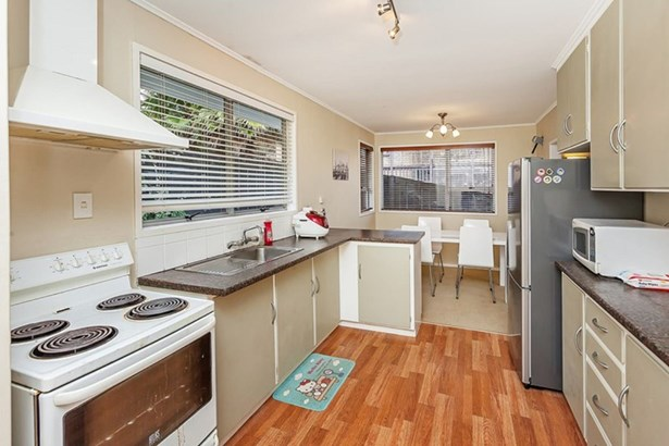 12 Datura Place, Sunnynook, Auckland - NZL (photo 3)