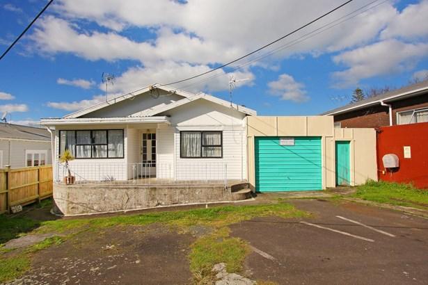 21 Brandon Road, Glen Eden, Auckland - NZL (photo 2)