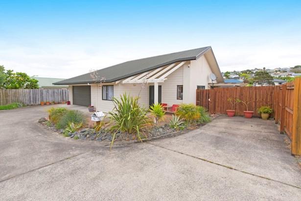 70 Donald Street, Stanmore Bay, Auckland - NZL (photo 1)