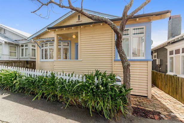 4 Russell Street, Freemans Bay, Auckland - NZL (photo 2)