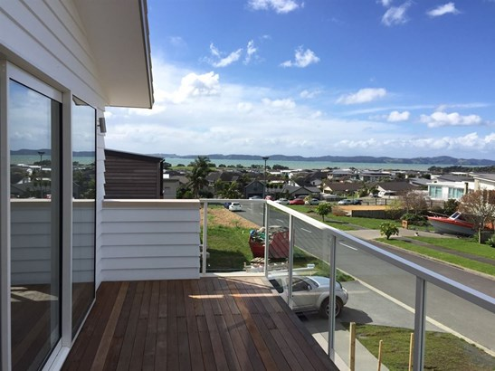 13 Thistle Close, Beachlands, Auckland - NZL (photo 3)