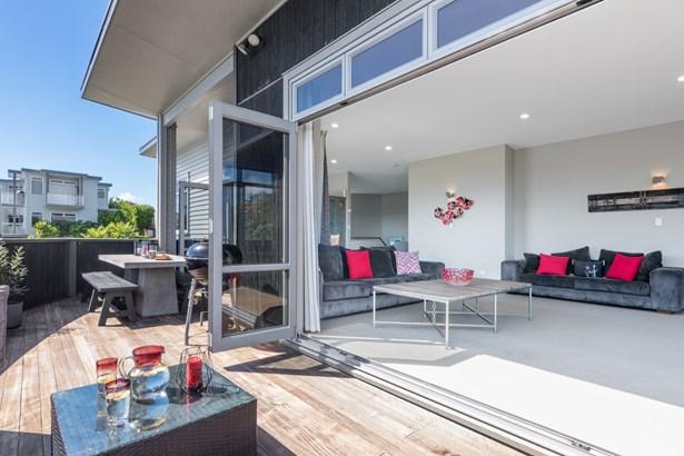18 Crossland Place, Maraetai, Auckland - NZL (photo 1)