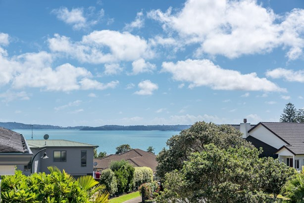 18 Crossland Place, Maraetai, Auckland - NZL (photo 2)