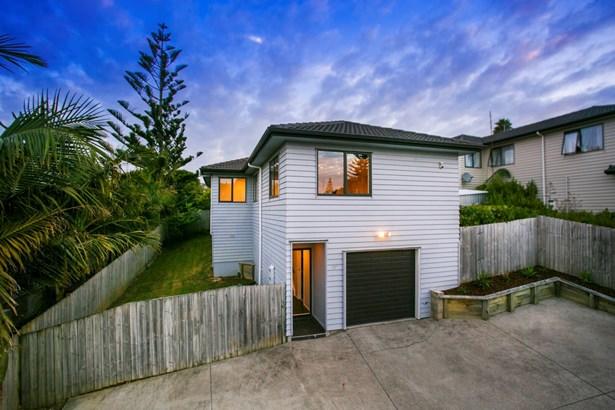 11a Hogans Road, Glenfield, Auckland - NZL (photo 1)