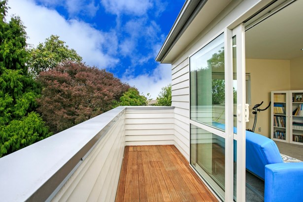 2/46 Raleigh Road, Northcote, Auckland - NZL (photo 3)