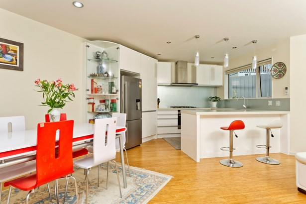 2/46 Raleigh Road, Northcote, Auckland - NZL (photo 4)