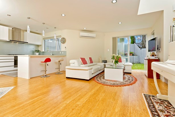 2/46 Raleigh Road, Northcote, Auckland - NZL (photo 5)