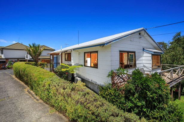 1/80 Browns Bay Road, Rothesay Bay, Auckland - NZL (photo 2)