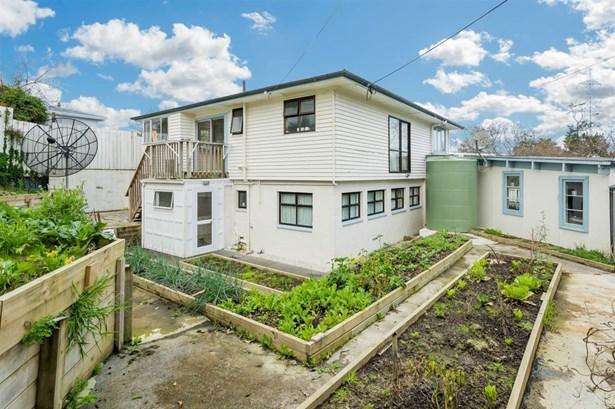62 Titoki Street, Te Atatu Peninsula, Auckland - NZL (photo 3)