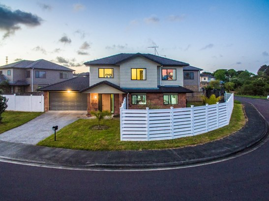 12 Riverglade Parkway, Te Atatu South, Auckland - NZL (photo 1)