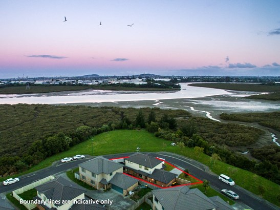 12 Riverglade Parkway, Te Atatu South, Auckland - NZL (photo 2)