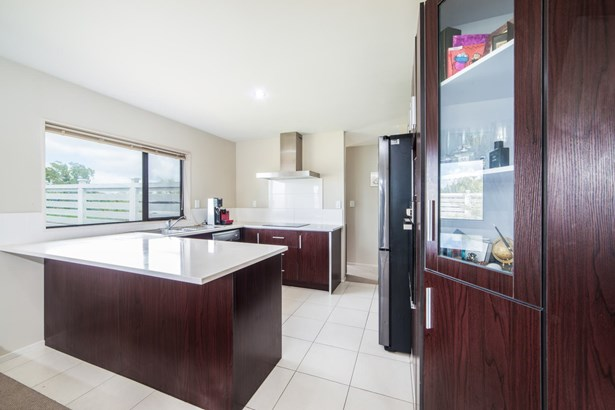 12 Riverglade Parkway, Te Atatu South, Auckland - NZL (photo 3)