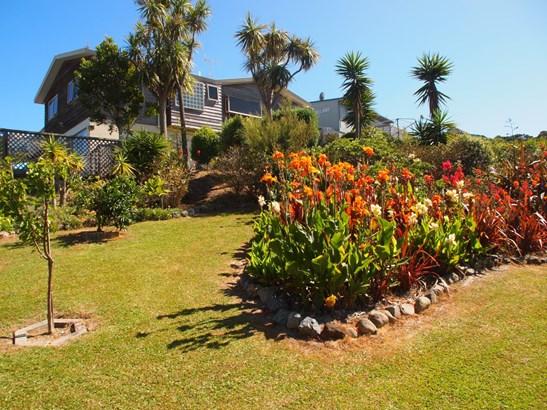 48 Cullen Street, Mangawhai Heads, Northland - NZL (photo 2)