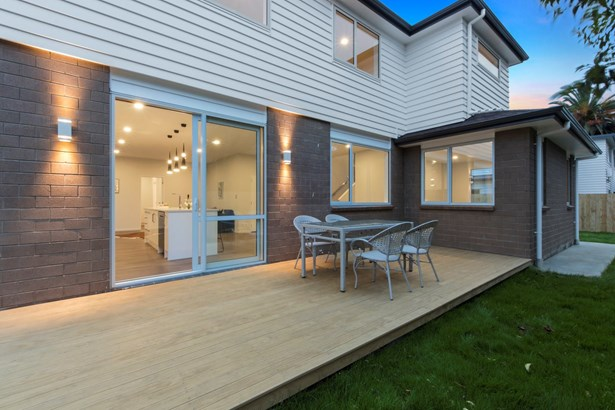 11a Lincoln Road, Henderson, Auckland - NZL (photo 4)