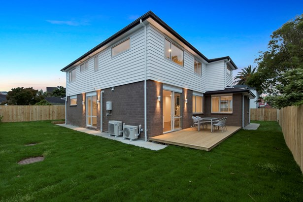 11a Lincoln Road, Henderson, Auckland - NZL (photo 5)