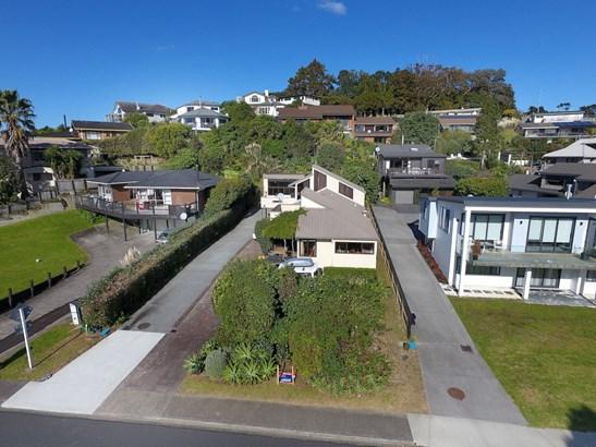68 Marellen Drive, Red Beach, Auckland - NZL (photo 2)