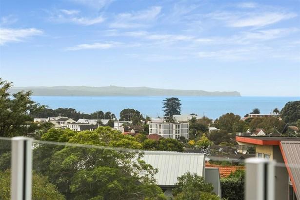 91 Rukutai Street, Orakei, Auckland - NZL (photo 2)