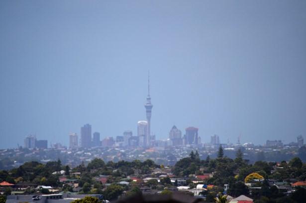 14 San Casello Rise, Henderson Heights, Auckland - NZL (photo 2)