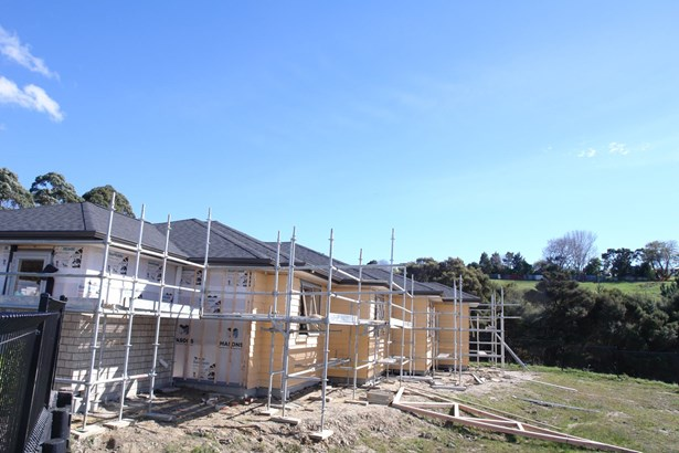 8 Pheasant Close, Stanmore Bay, Auckland - NZL (photo 1)