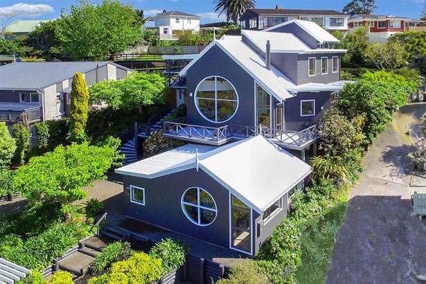 54 Hadfield Street, Beach Haven, Auckland - NZL (photo 2)