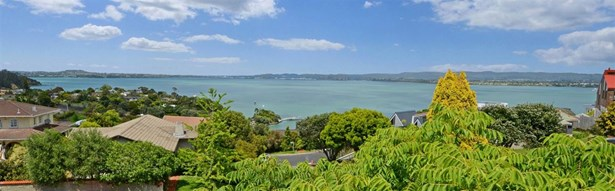 54 Hadfield Street, Beach Haven, Auckland - NZL (photo 5)