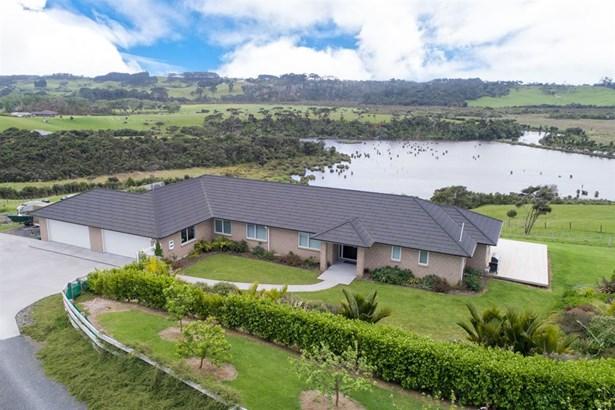 95a Tuparekura Road, South Head, Auckland - NZL (photo 1)