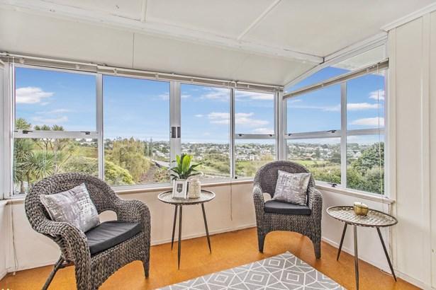 20 Felton Mathew Avenue, St Johns, Auckland - NZL (photo 5)